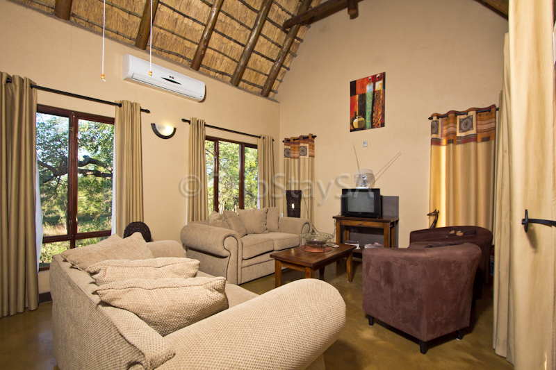 Yellow Hornbill Lodge